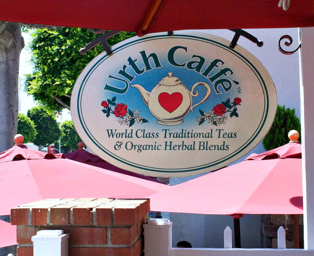 urth-caffe-sign-httpwww-itsallabouttheyummy-com_